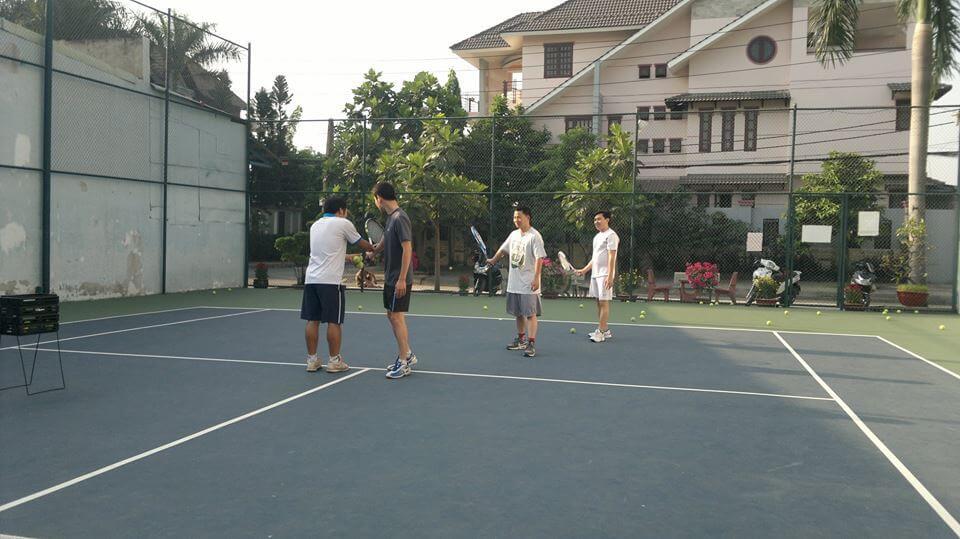 Lớp Học Tennis Miễn Phí