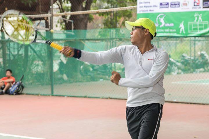 Học tennis tại quận 1 TPHCM