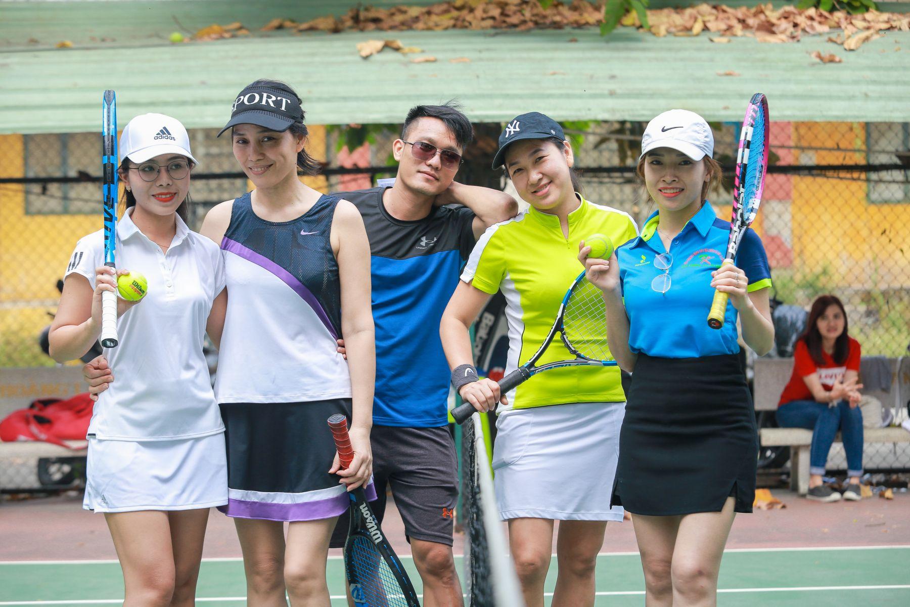Học Tennis sau giờ làm với hoctennis.com.vn