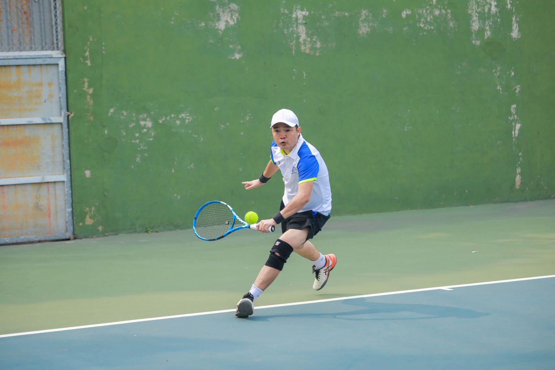 Học kỹ năng đánh tennis cơ bản tại TP Hồ Chí Minh