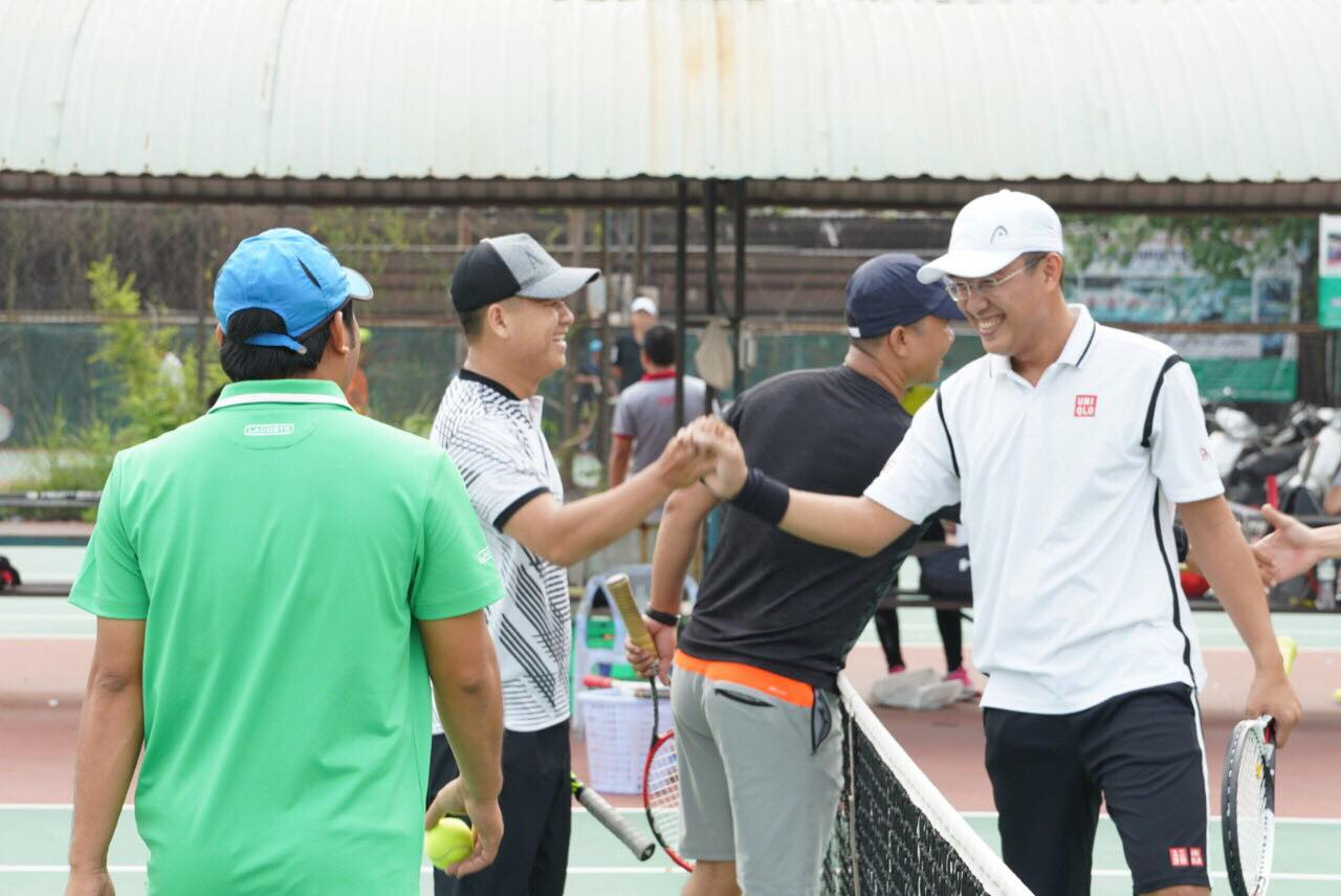 Tennis class for foreigners